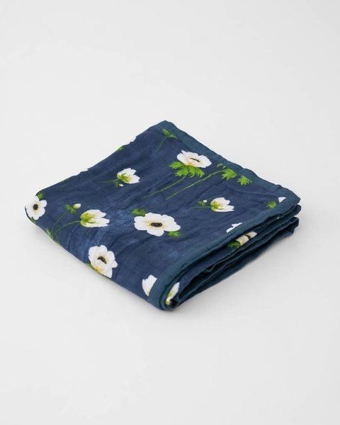 View larger image of Deluxe Muslin Quilt - White Anemone
