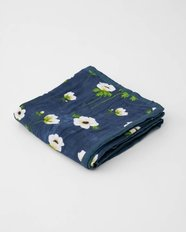 Deluxe Muslin Quilt - White Anemone